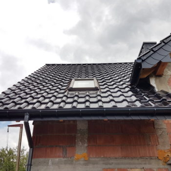 Dachówka ceramiczna CREATON Titania Czarna Glazura